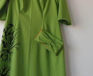 Zielona dzianinowa sukienka ręcznie malowana - z torebką